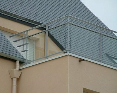 Balcon - garde-corps aluminium vitré clair