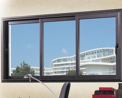 Fenêtre coulissante 3 vantaux en alu