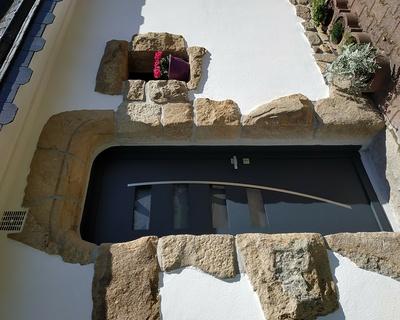 Installation d''une porte d''entrée Monalu