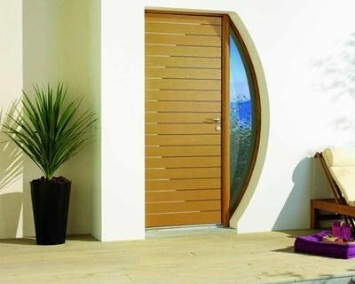 Porte d''entrée en bois