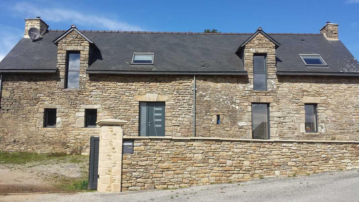 Porte d''entrée contemporaine alu -Longère en pierre - Morbihan 0
