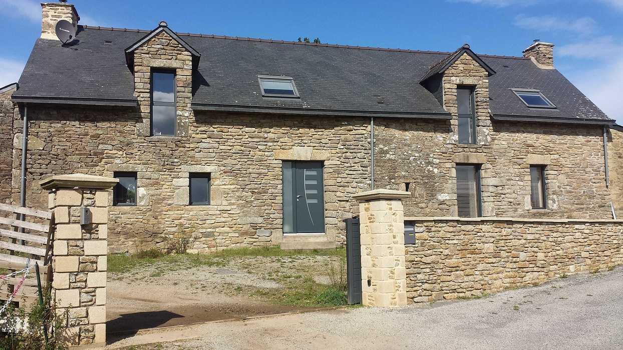 Fenêtres alu anthracite- Longère pierre (56) - Longère en pierre - Morbihan 20170915153624