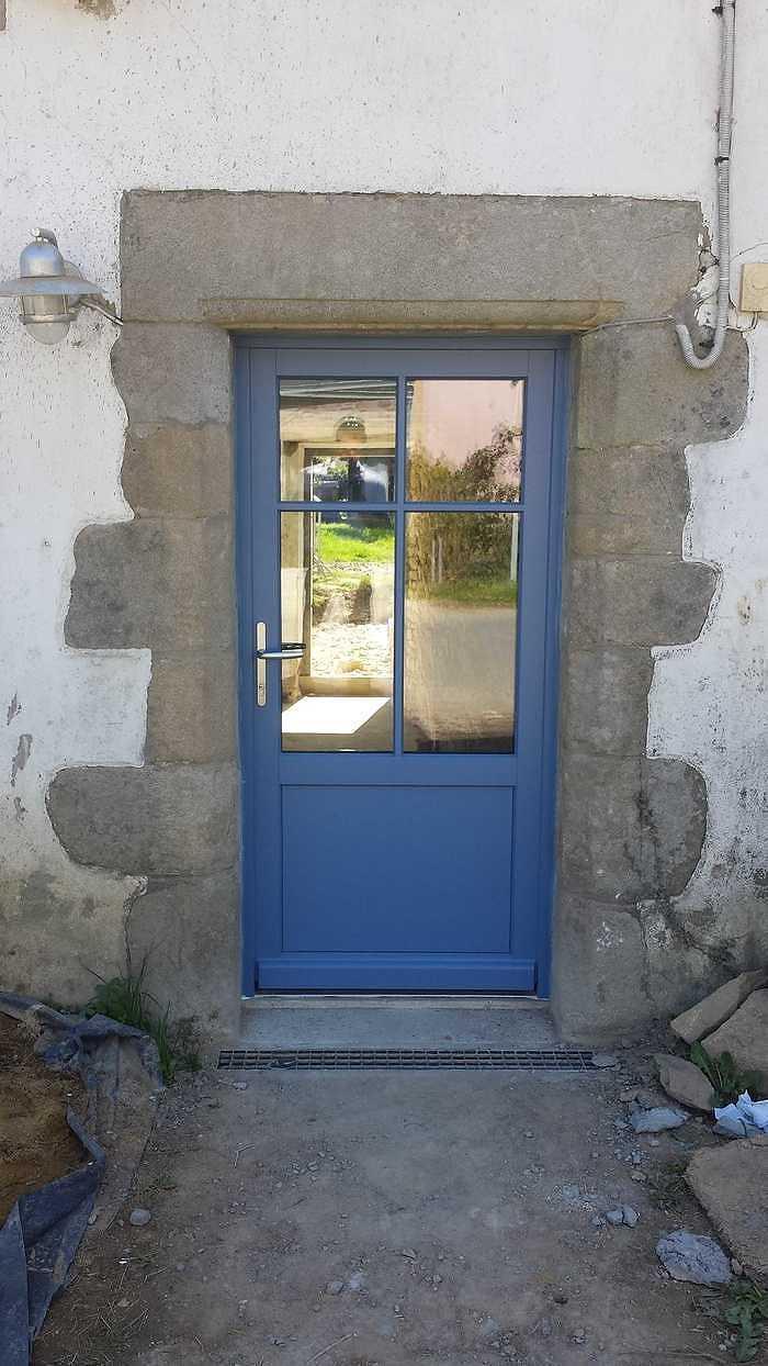 Porte d''entrée bois bleu - maison bretonne - Morbihan - 56 0