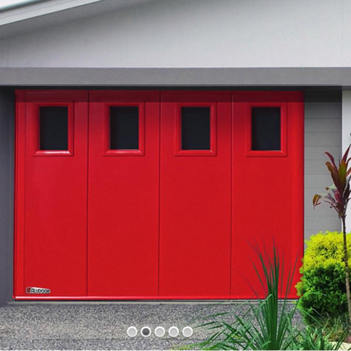 Porte de garage sectionnelle latérale avec hublots 0