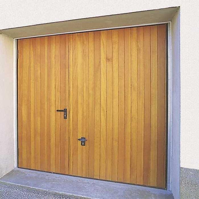 Porte de garage basculante en bois massif 0