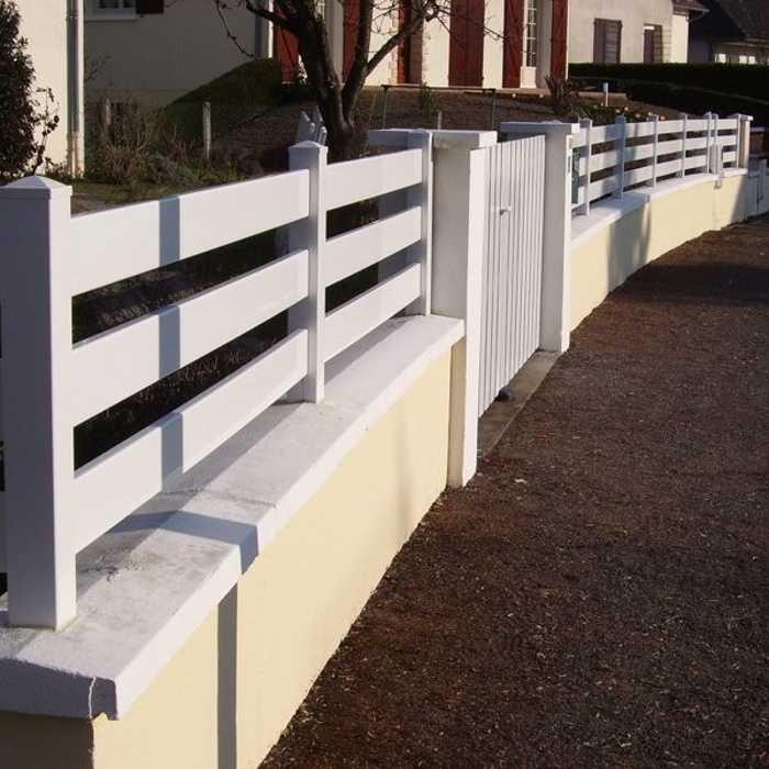 Clôture PVC blanc incurvé 0
