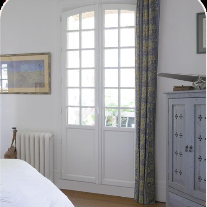 Porte et fenêtre en bois avec arc surbaisse 0