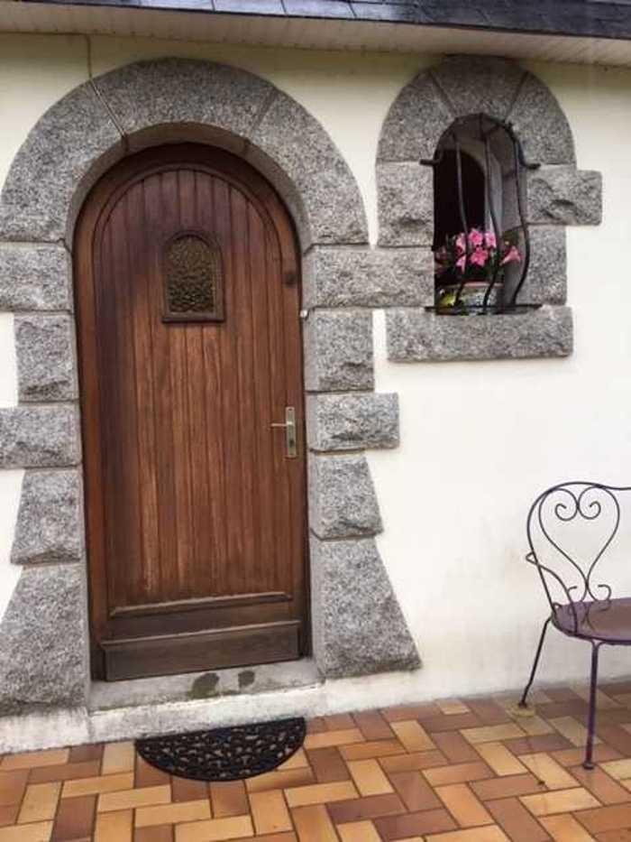 Installation d''une porte d''entrée cintrée en aluminium - Arradon - 56 arradon0119