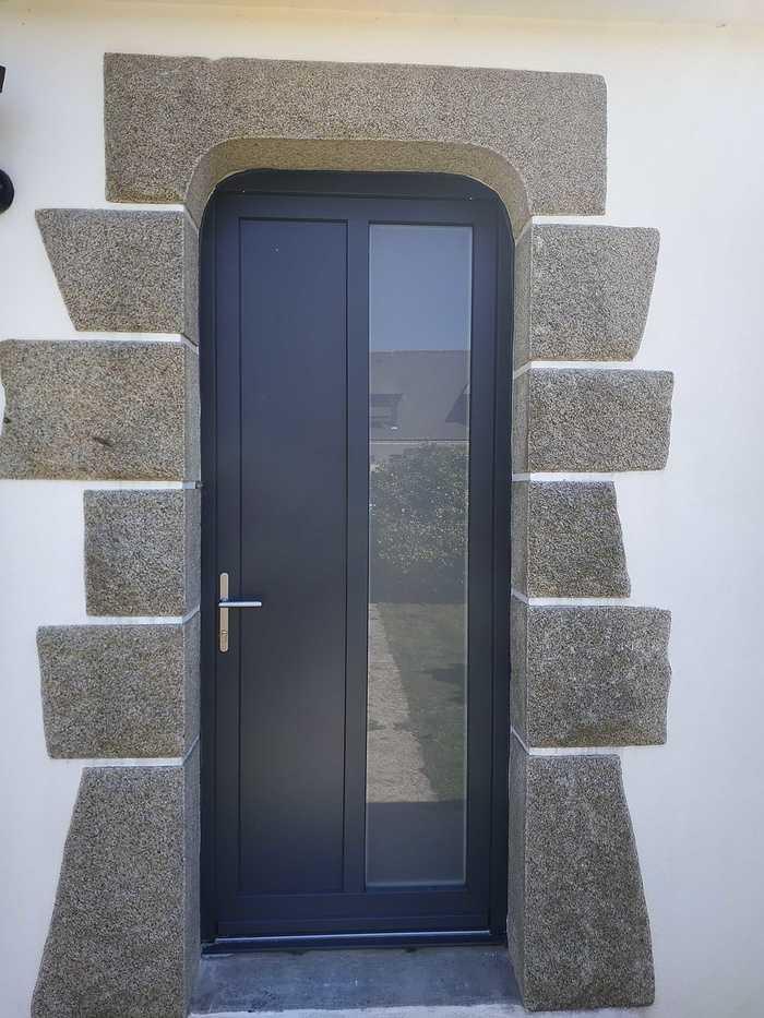 Porte d''entrée en alu - Locqueltas - Vannes - Morbihan 02apres2