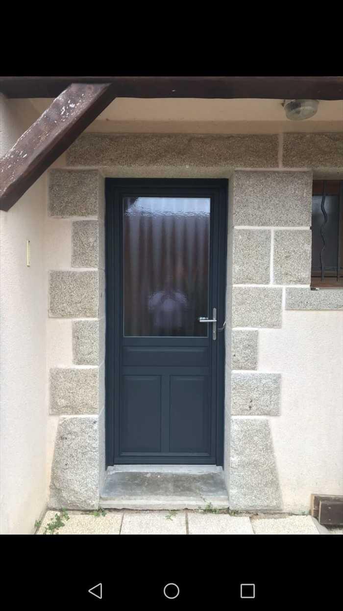 Porte d''entrée alu coloris gris - vitrage sablé- Carnac 0
