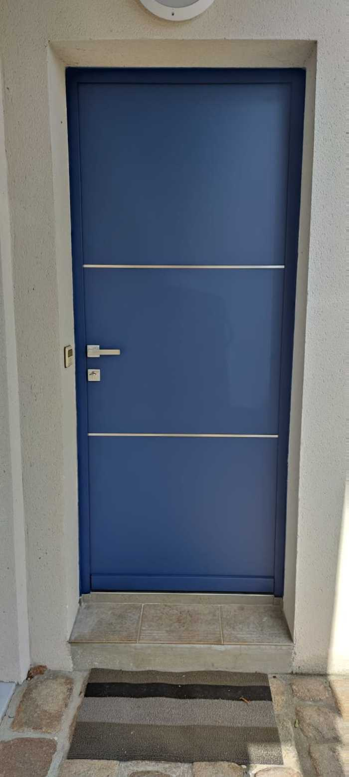 Porte d''Entrée Aluminium bleu saphir - Carnac 0