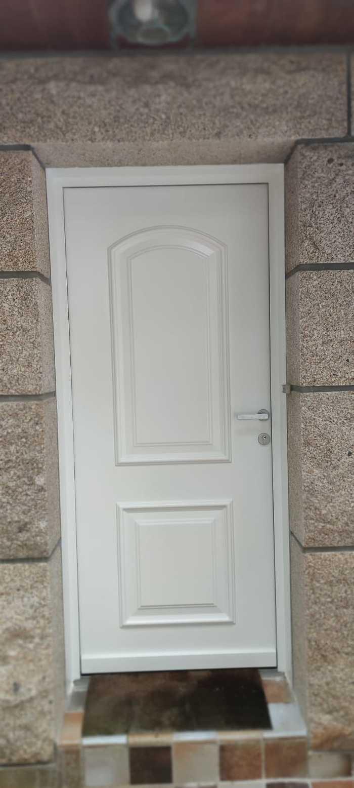 Porte d''entrée classique aluminium - Carnac 2